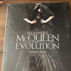 NWOT Fashion book